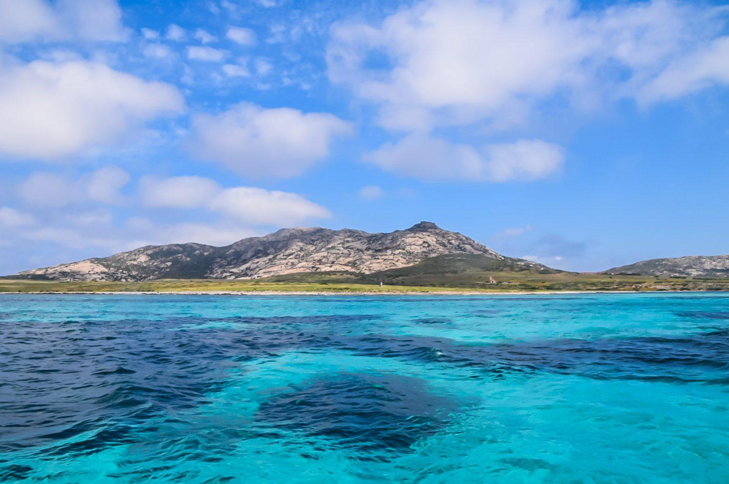 Hier kijk je uit op het eiland Asinara