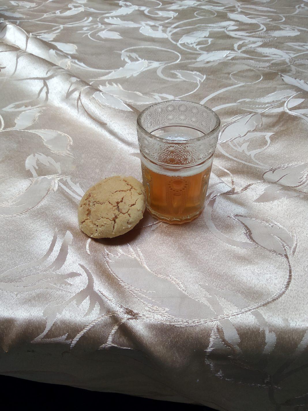 Marokkaanse thee met koekje