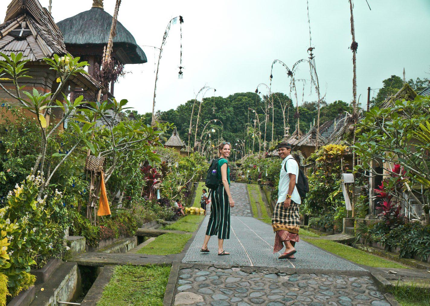 Mila en Ketut Chon op Bali