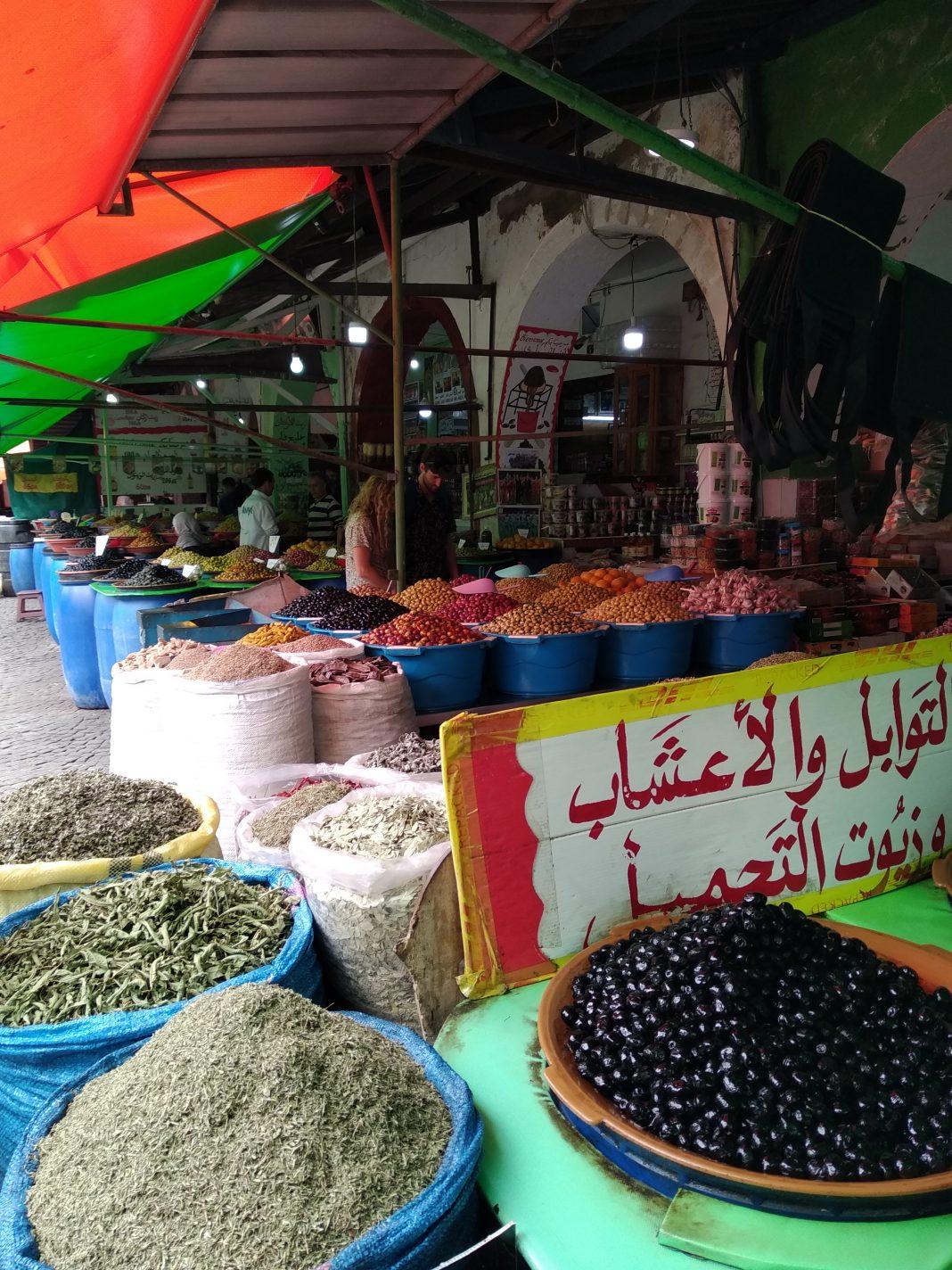 De olijvensouk in de wijk Habous