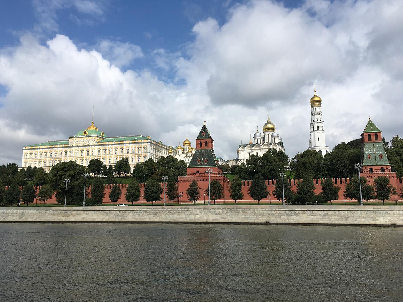 Het Kremlin van buitenaf - bezienswaardigheden stedentrip Moskou
