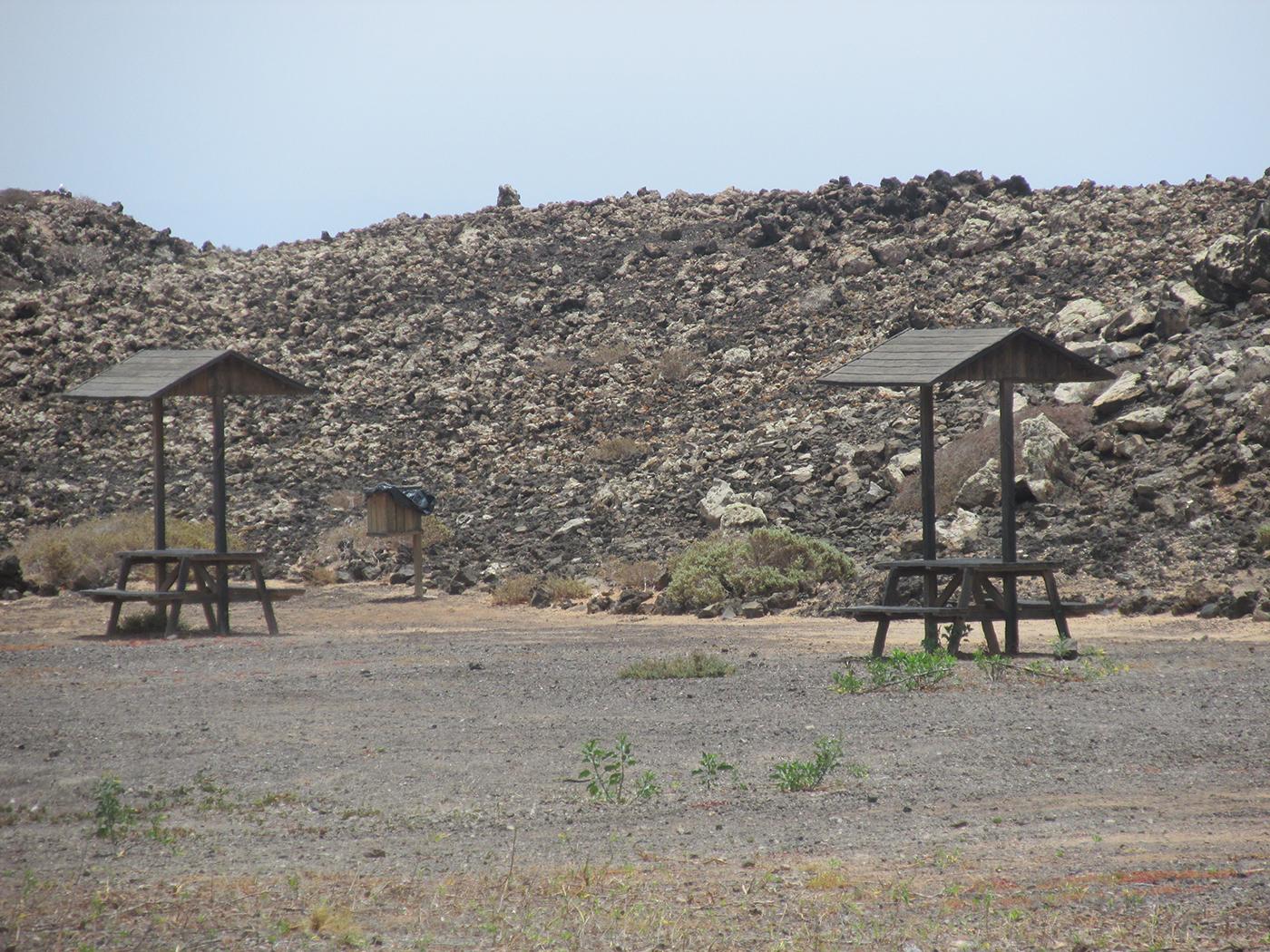 Picknicktafels op Isla de Lobos
