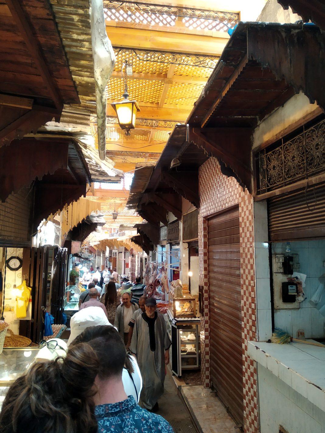 Wandelen door de Medina