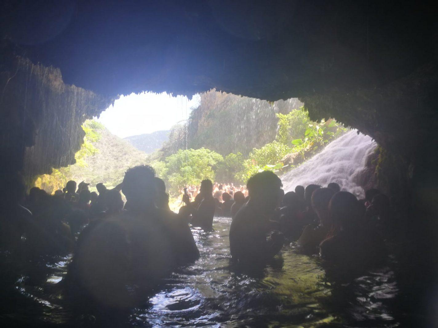 Bezoek aan de grot - Tolantongo in Mexico