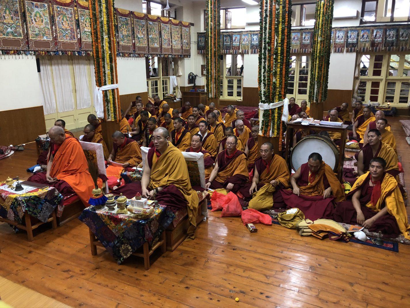 Ritueel in de Dalai Lama tempel