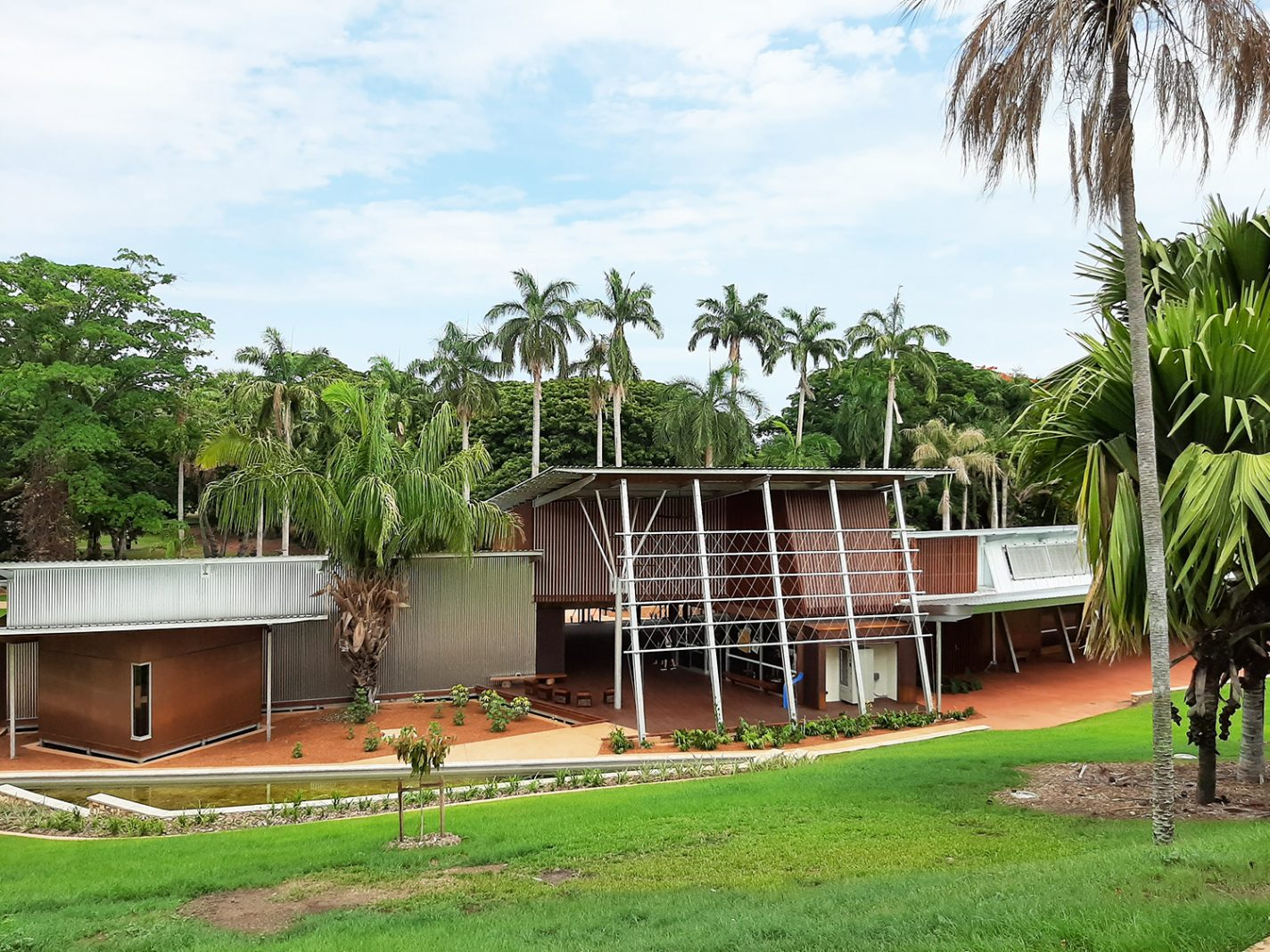Het nieuwe visitor centre van de George Brown Darwin Botanic Gardens