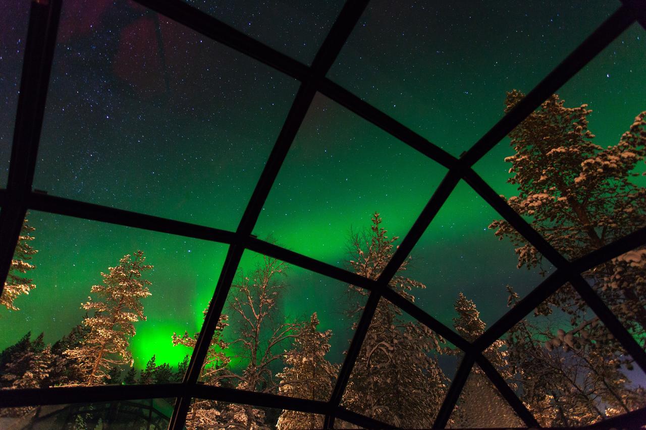 Vanuit deze iglo's in Finland heb je het perfecte zicht op het noorderlicht