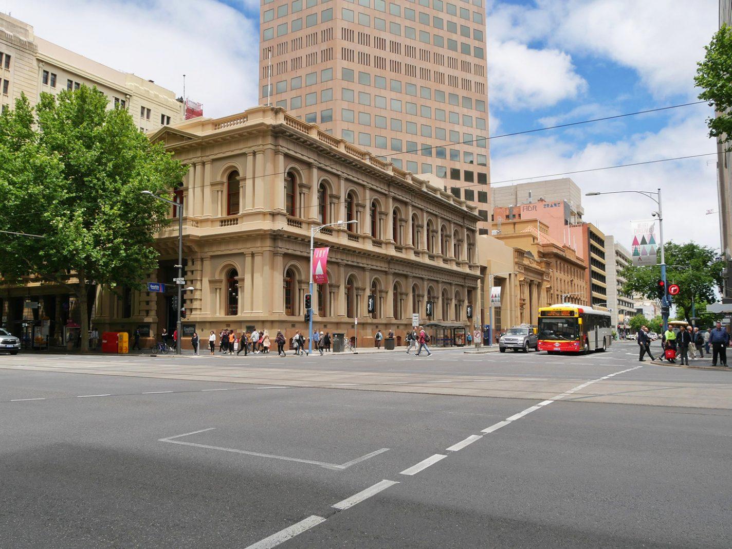 Een van de hoofdstraten van Adelaide