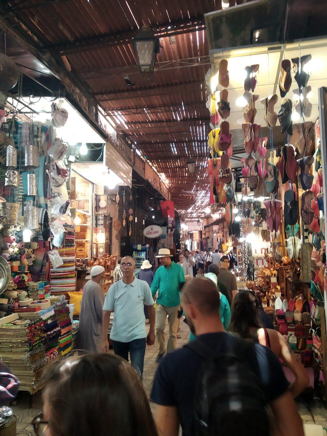Shoppen bij de medina