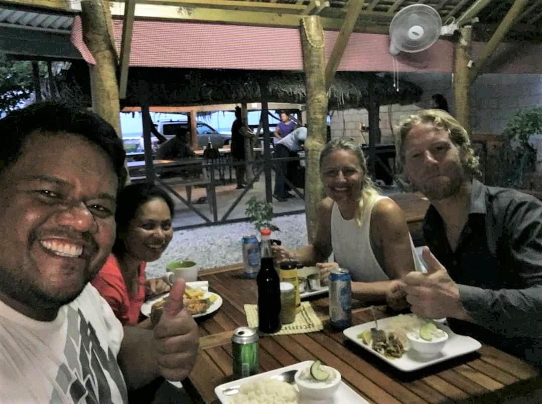 Uit eten met Roman en Julia - Kiribati