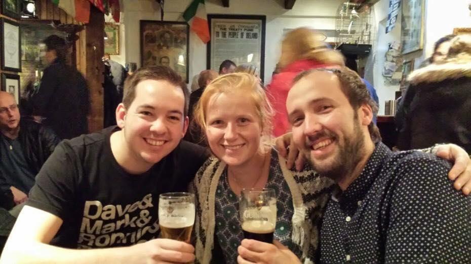 Samen met Marloes en Bert in Dublin, jaren na onze groepsreis door Indonesie