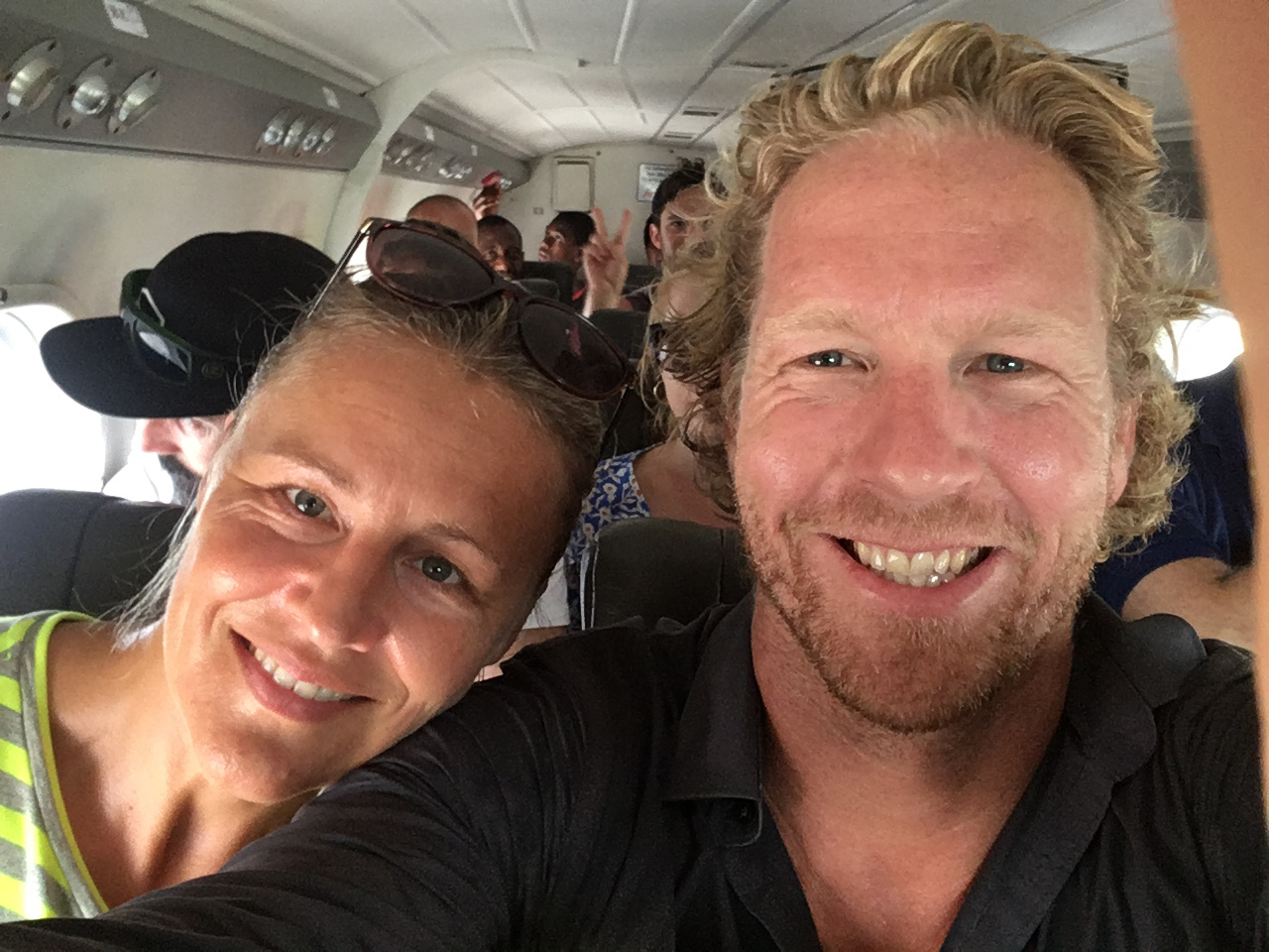Onderweg naar Vanuatu in een heel klein vliegtuigje