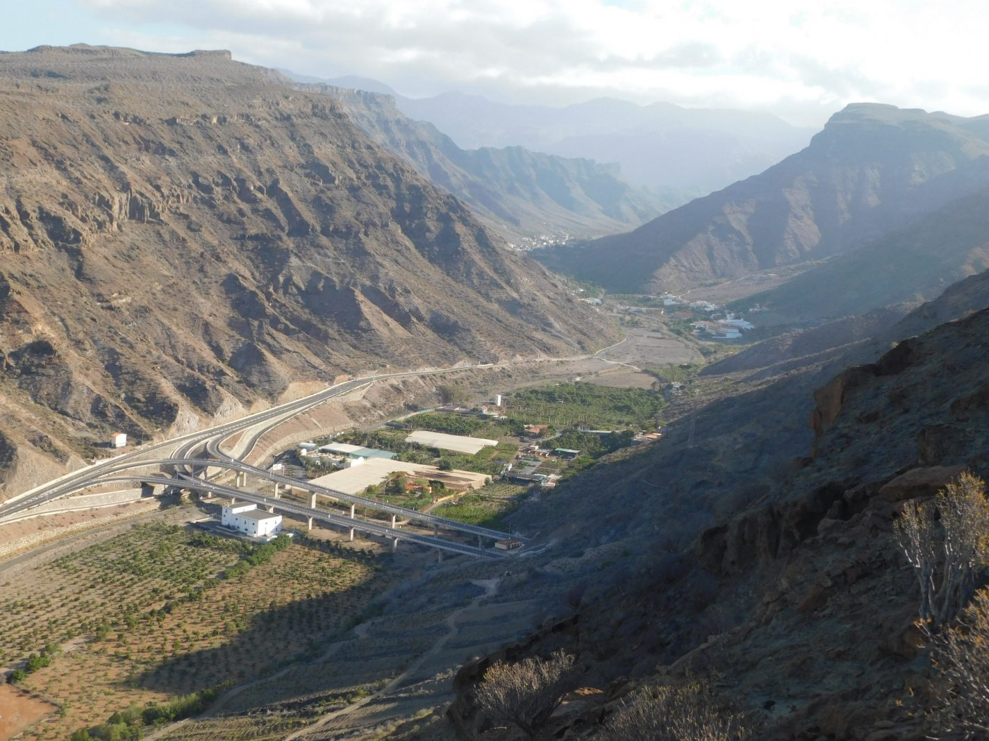 Wandelen in de bergen vlakbij Puerto de Mogan