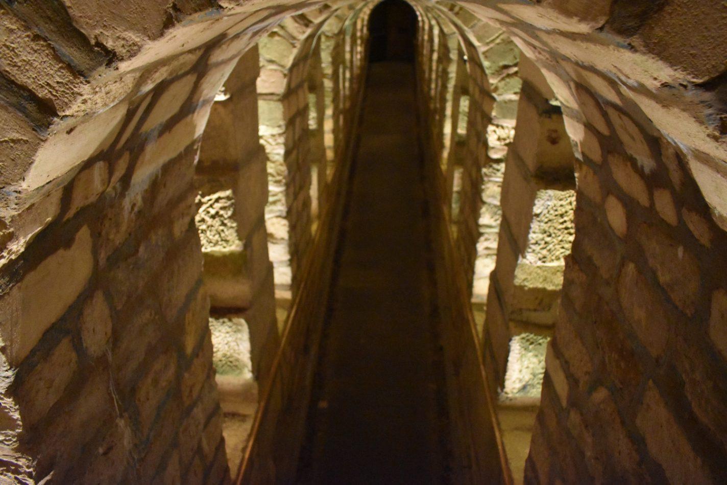 Gangen in les Catacombes