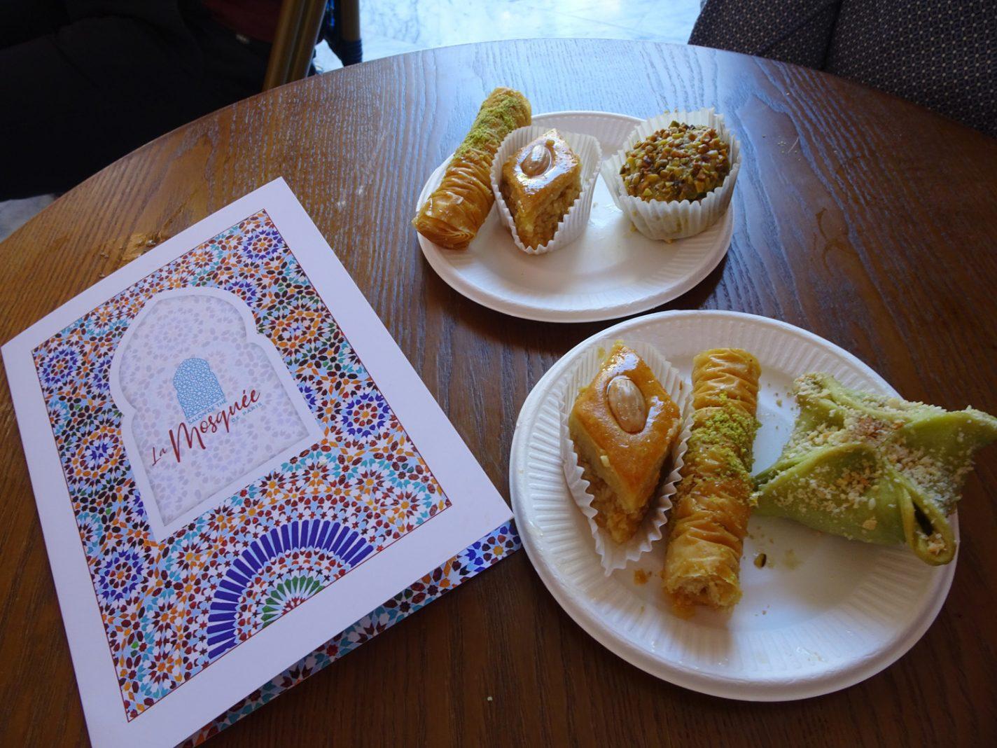 Oosterse gebakjes in la Grande Mosquée de Paris
