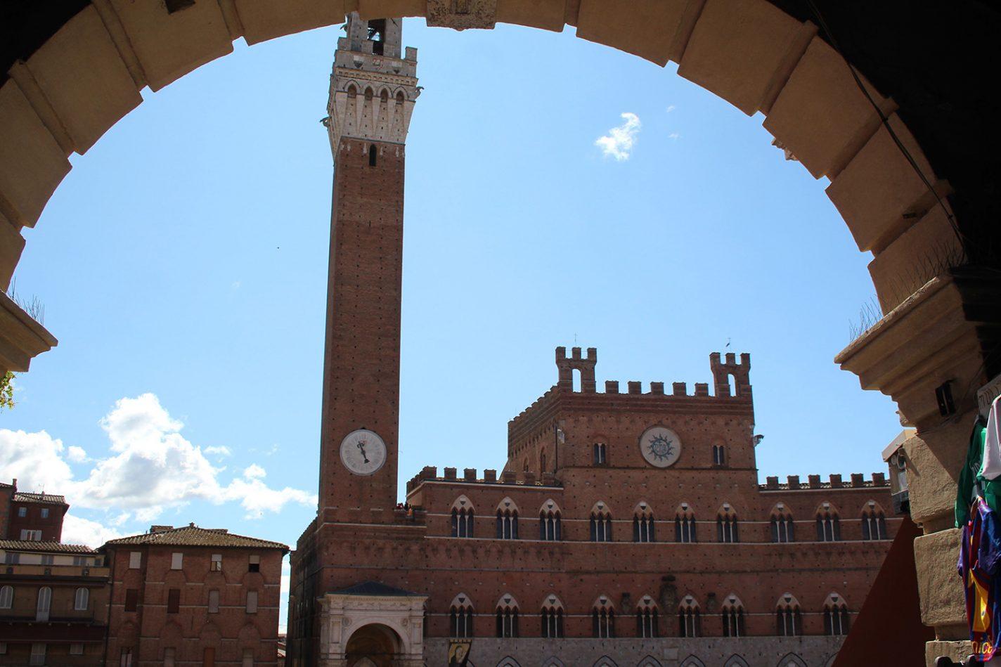 Uitzicht op Palazzo Pubblico en Torre del Mangia