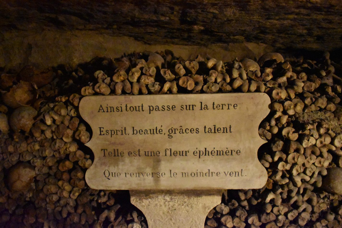 Quotes in les Catacombes - Parijs na de lockdown