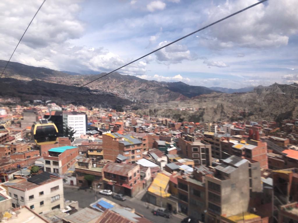 Uitzicht op La Paz vanuit vanaf de kabelbaan - doen in Bolivia