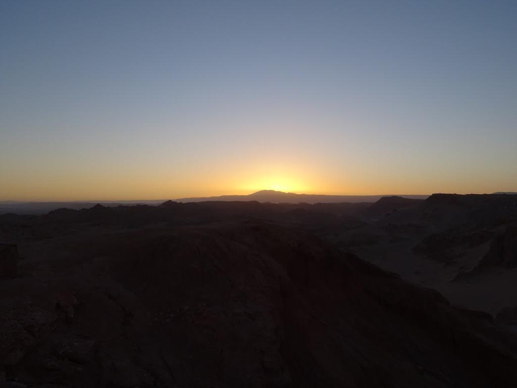 Zonsondergang bij de maanvallei