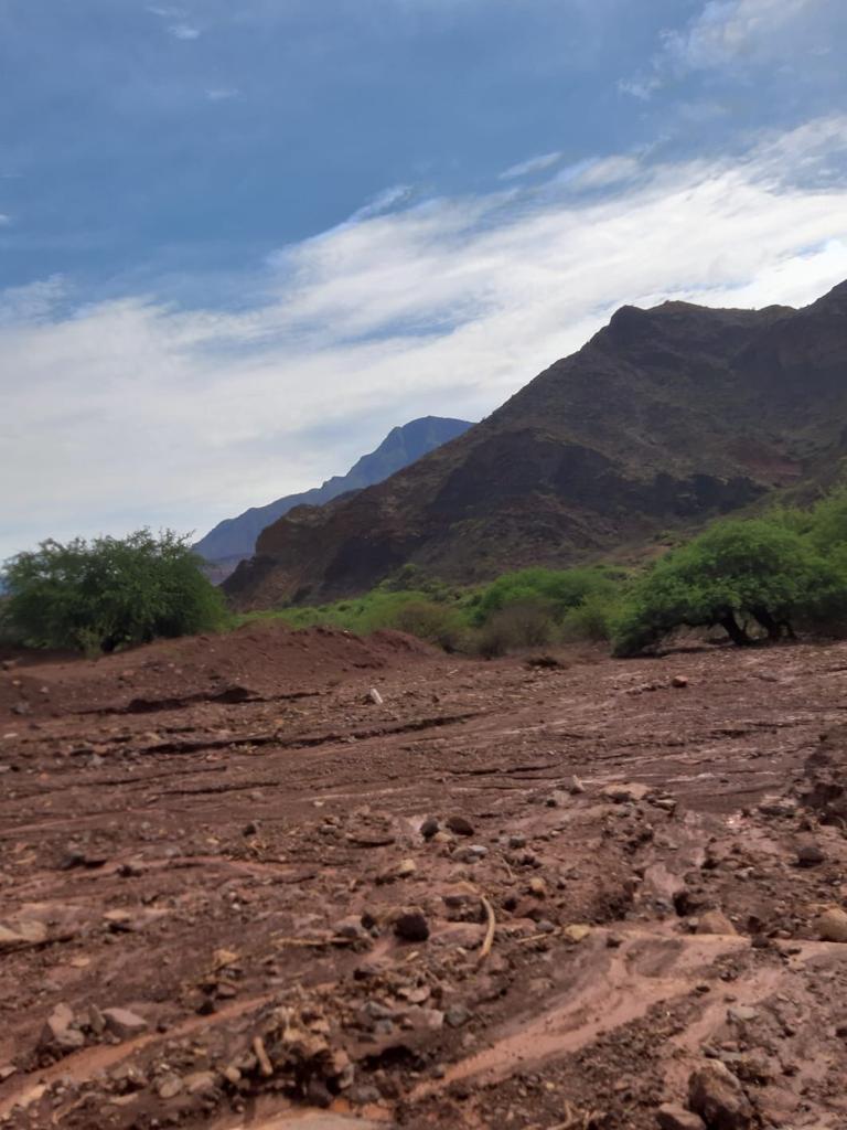 Veel modder vanwege de hevige regenval - Salta