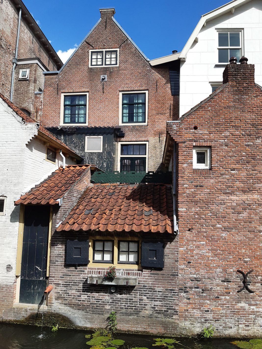 Opvallende huizen aan de Langegracht