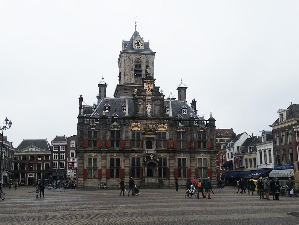 Op de Grote Markt in Delft