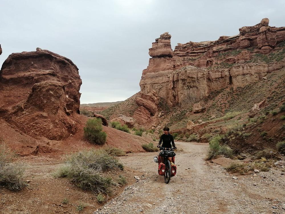 Charyn Canyon in Kazachstan - Solofietstocht van Dorien Cramer