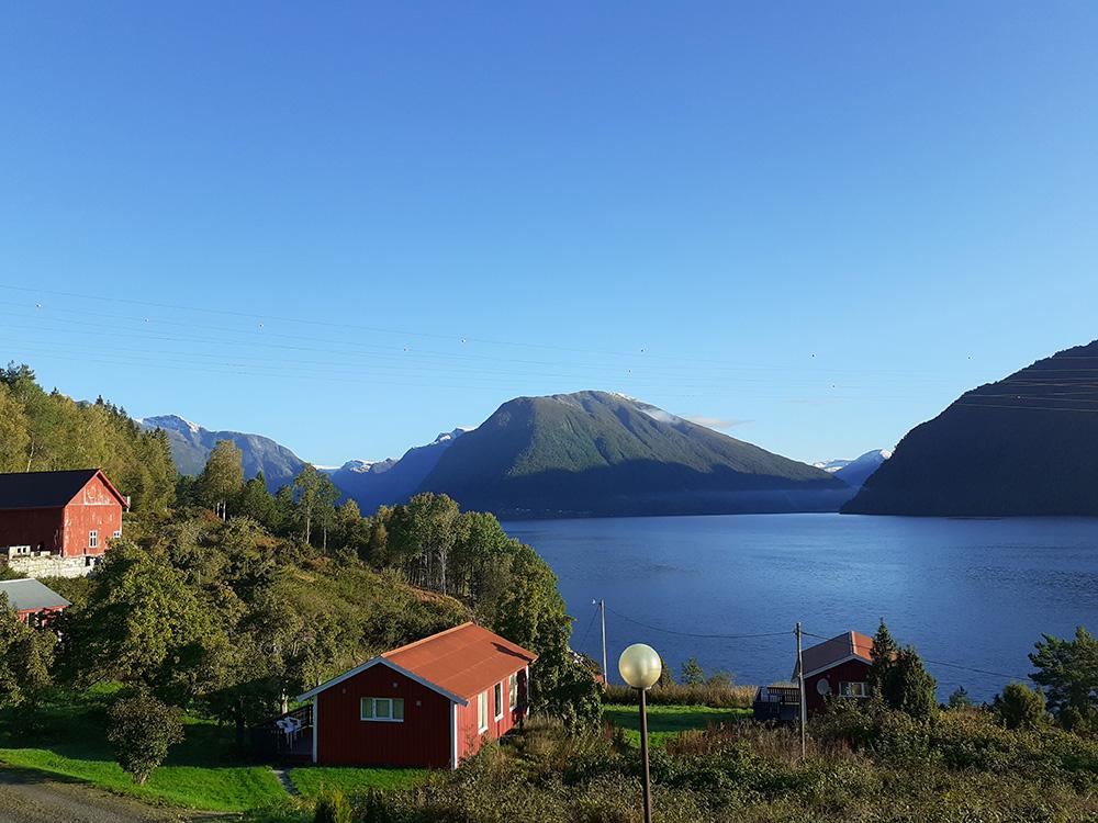 Uitzicht op de Sognefjord vanuit het Dragsvik Fjordhotel