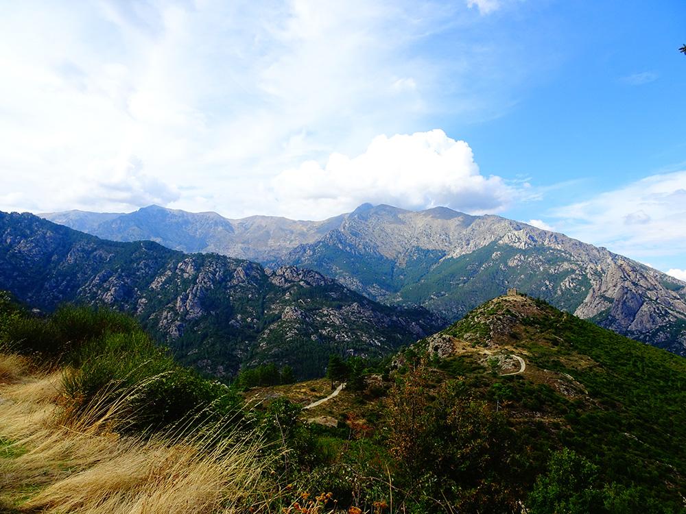 In de bergen met zicht op le Fortin de Pasciola