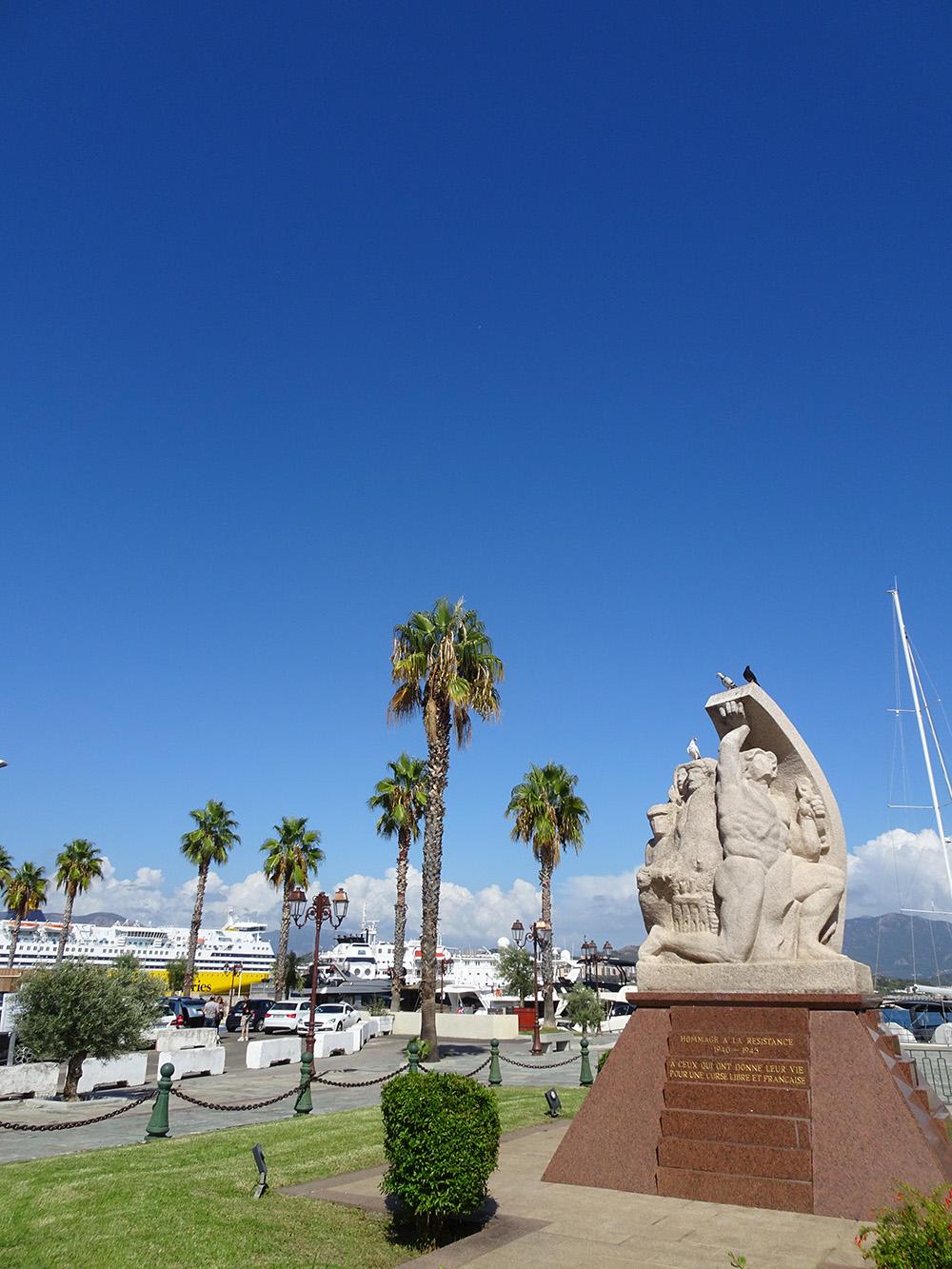 In de haven van Ajaccio