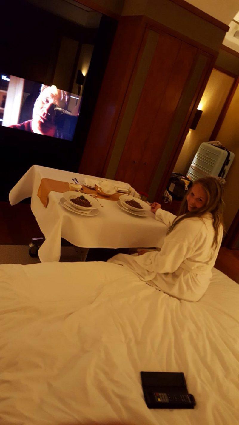 Roomservice in het Sukhothai hotel