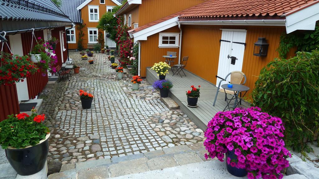 Binnenplaats van Tollgaarden Gjestegaard - Zuid-Noorwegen