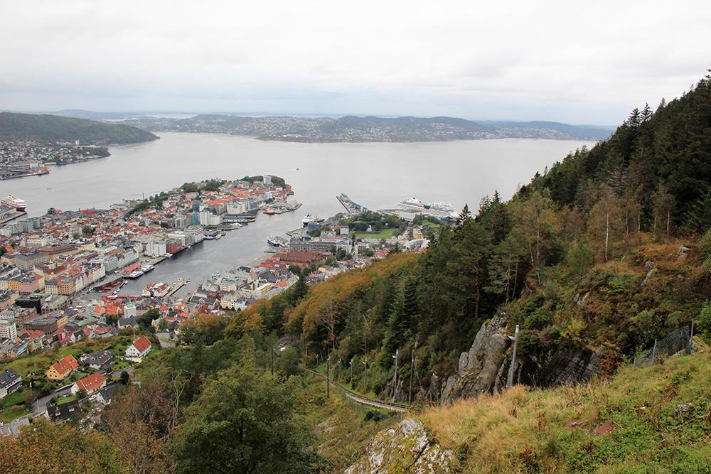 Uitzicht over Bergen vanaf de Fløyenberg