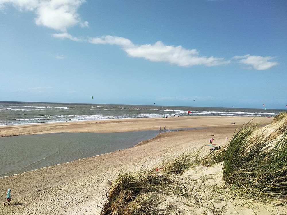 Zeeuwse kust op een winderige dag