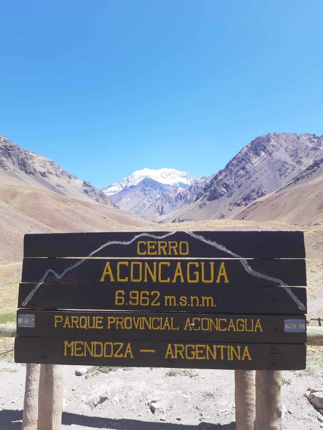 De berg in het midden daar achter is de Aconcagua, hoogste berg Zuid-Amerika