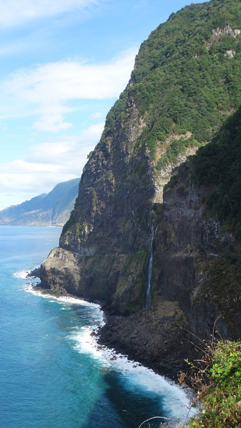 De prachtige waterval Veu da Noiva