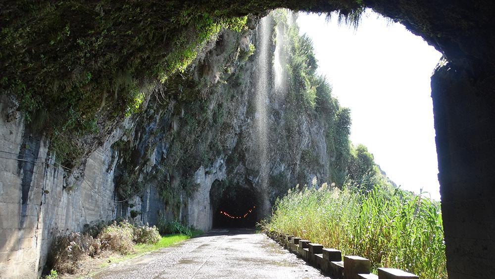 Tunnels en watervallen op Madeira