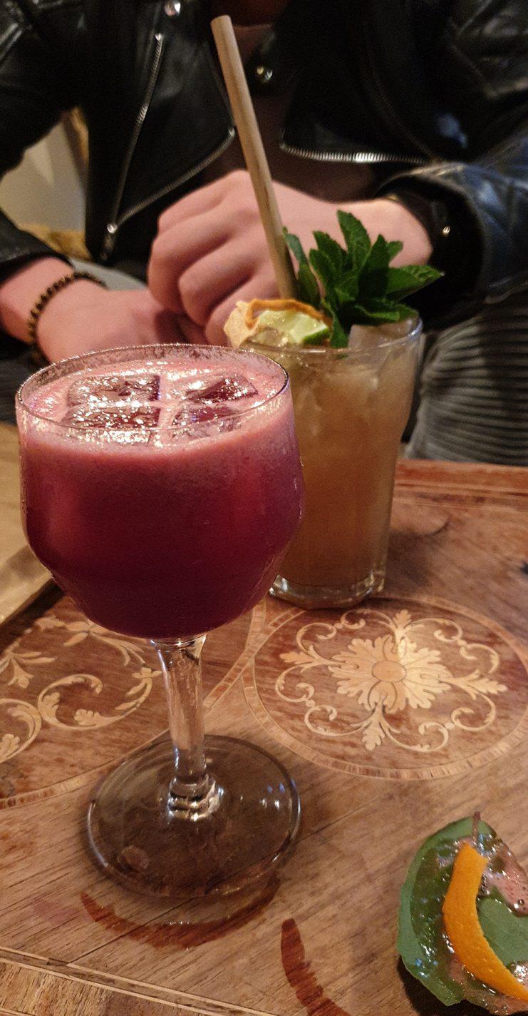 Cocktails drinken bij Jones & co - must do's in Antwerpen