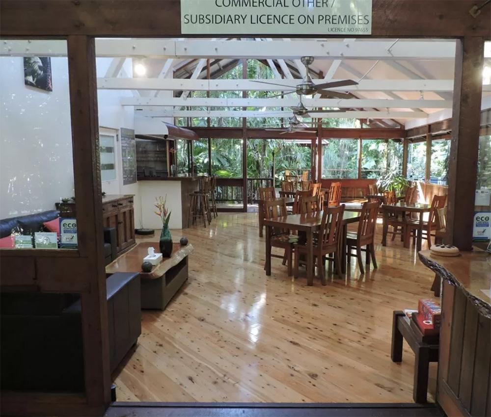 Het restaurant waar je kunt ontbijten, dineren en een drankje kunt doen