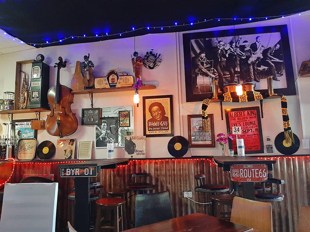 Mission Beach Blues Bar and Cafe