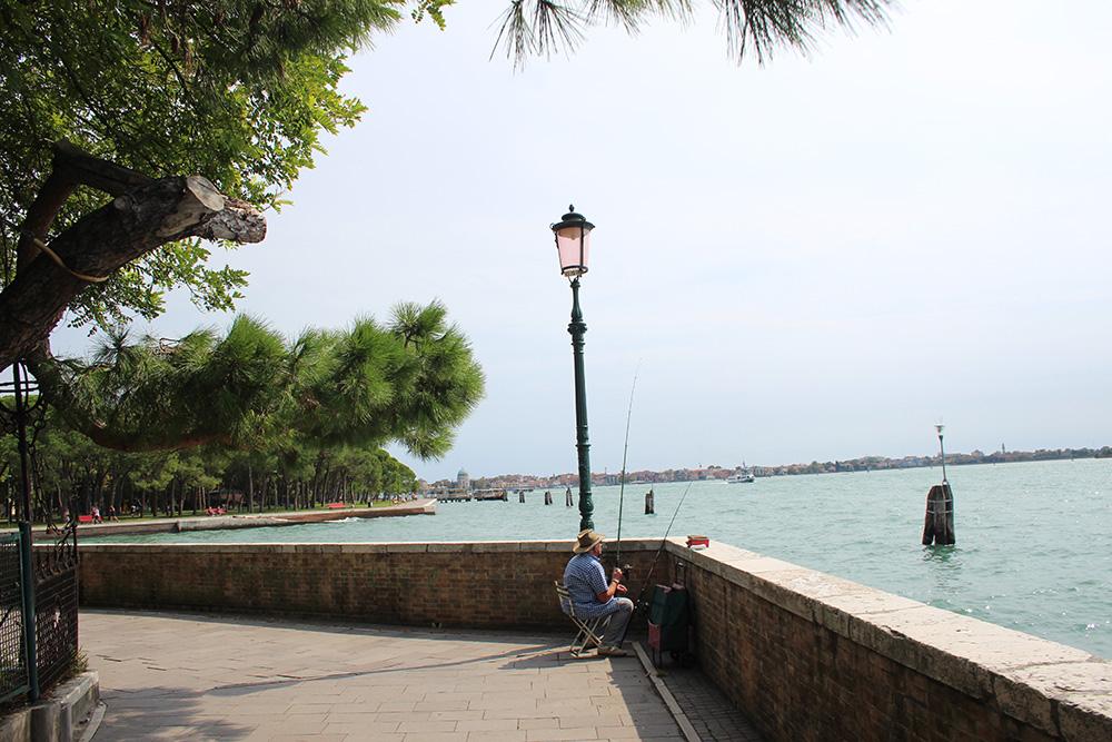 De wandelpromenade waaraan het Parco delle Rimembranze is gelegen