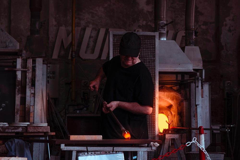 Glasblazer op het eiland Murano