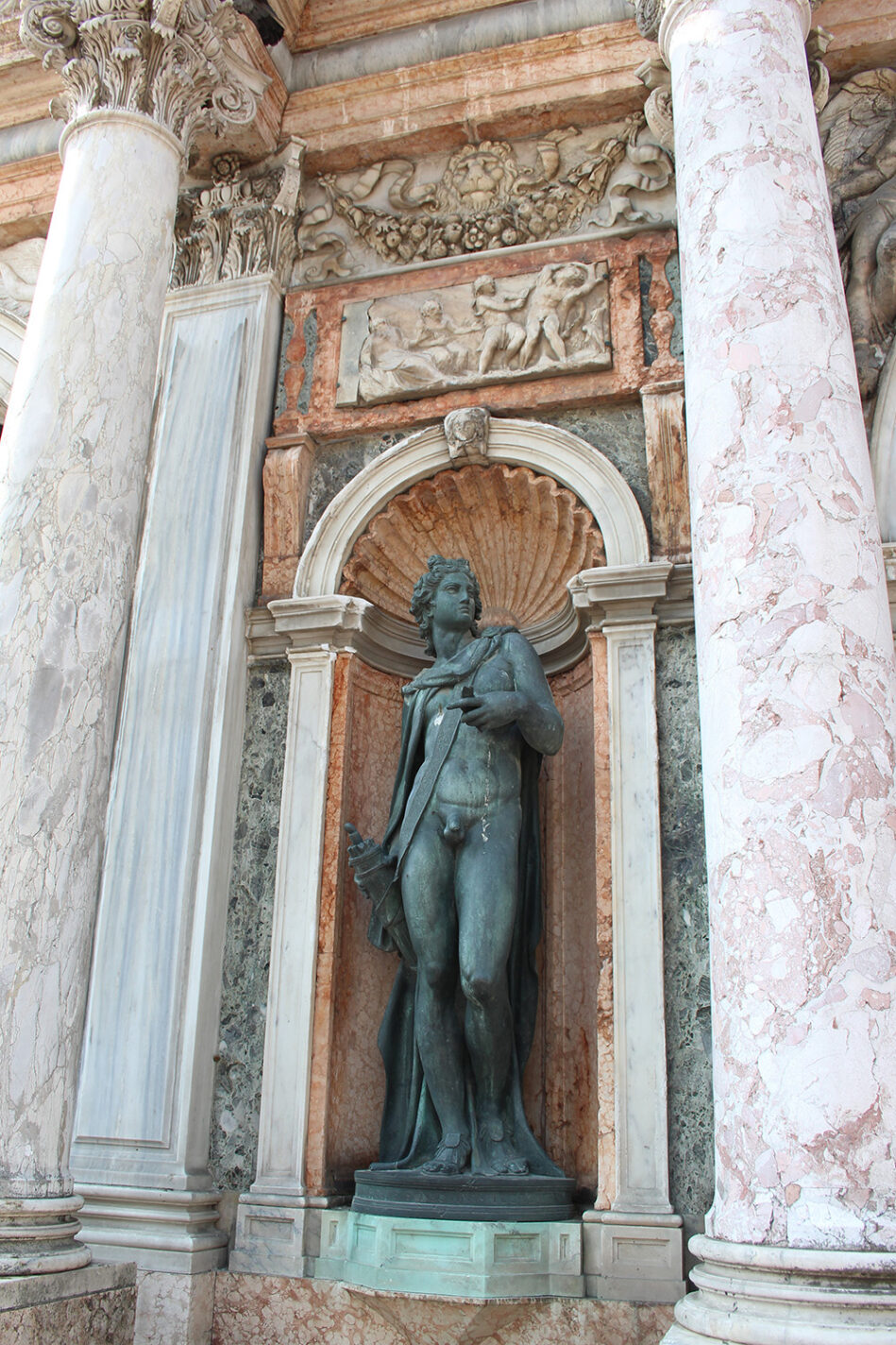 Ingang van de Campanile op Piazza San Marco