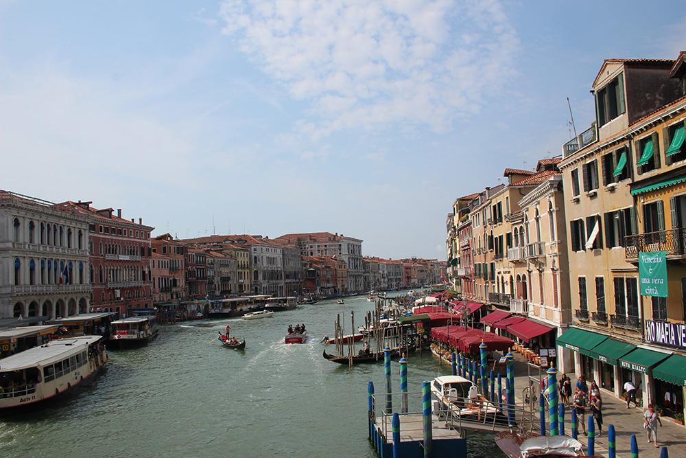 Venetië met haar vele kanalen vormde eeuwenlang de toegang vanWest-Europatot de zijderoute