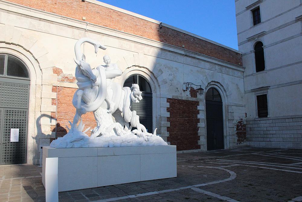 Verval en artistieke schoonheid staan in Venetië zij aan zij
