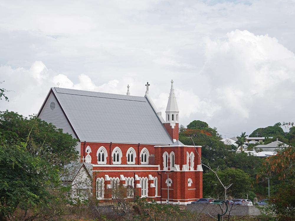Kerk in de buurt van Castle Hill
