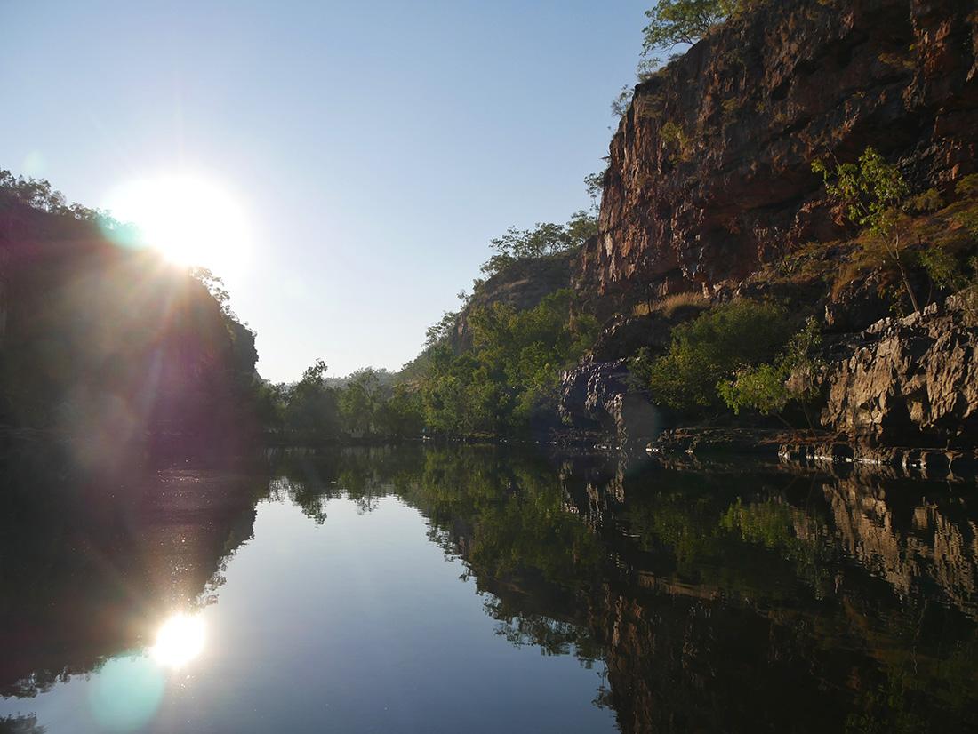 Nitmiluk National Park - Langzaam komt de zon op en verlicht de omgeving