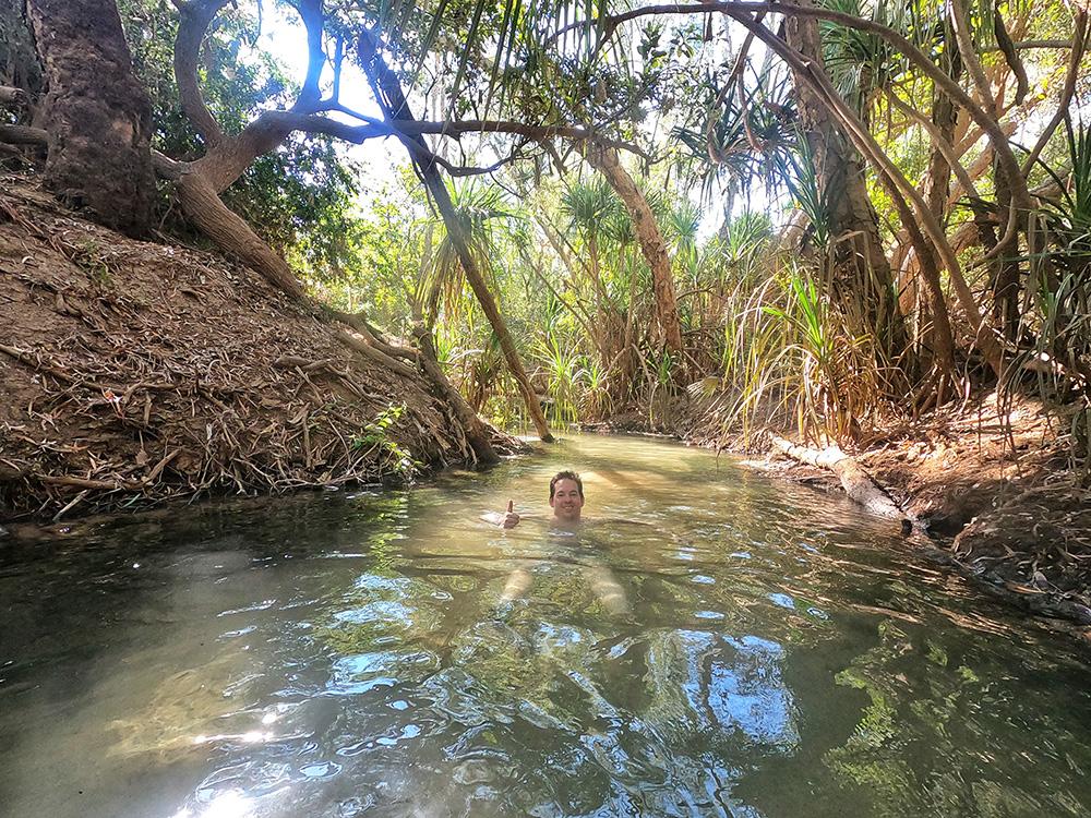 Een duik nemen bij Katherine Hot Springs