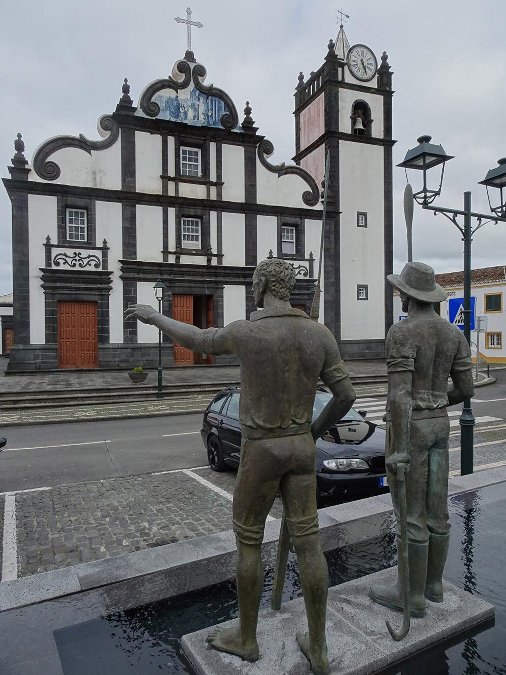 Monument voor walvisvaarders in Vila Franca do Campo - De Azoren